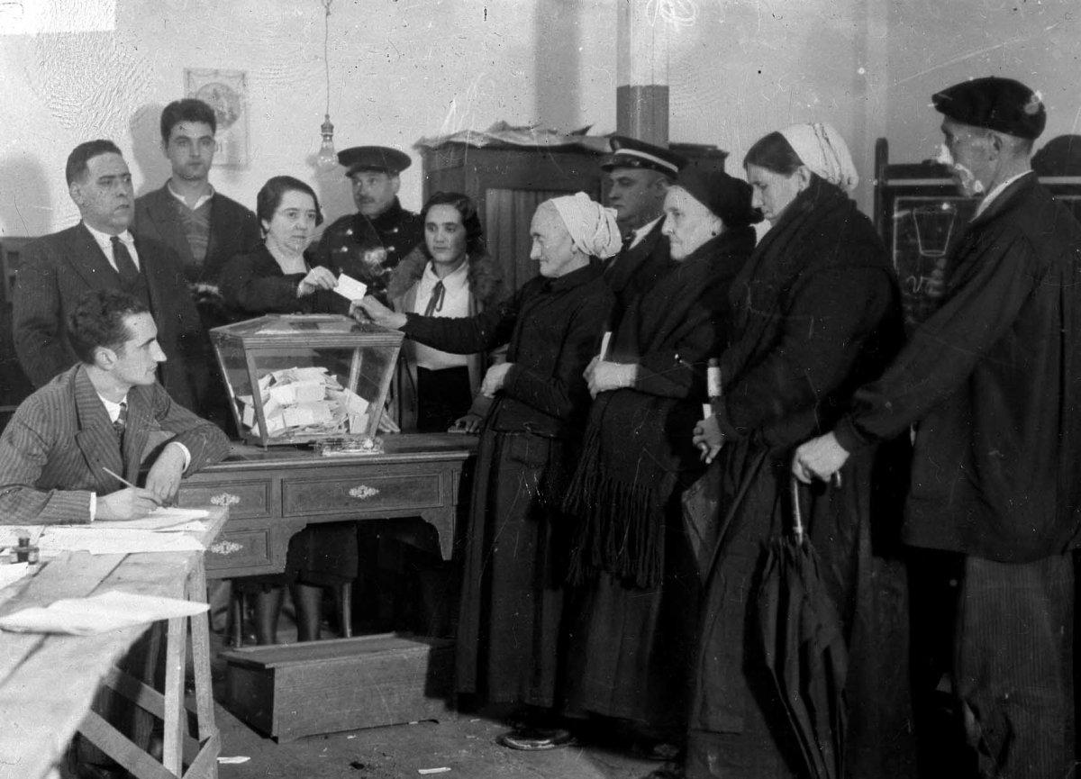 Les primeres en votar