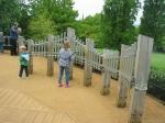Horniman Garden. Els infants fan música